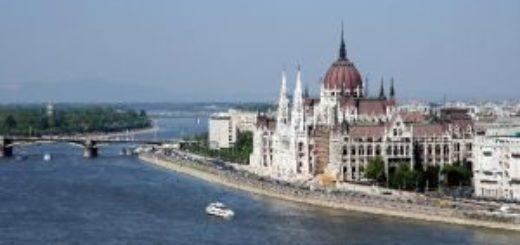 Le parlement de budapest à voir penbant votre weekend