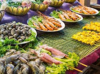 différents plats thailandais